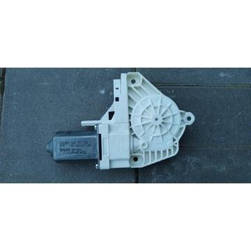 AUDI A4 B8 Silniczek podnoszenia szyb 8K0959802A
