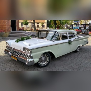 Zabytkowy Ford 300 Custom z 1959 roku, idealny