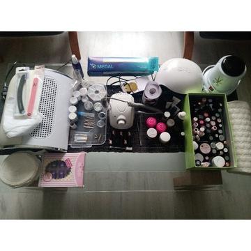Zestaw do manicure hybrydowego oraz przedłużanie