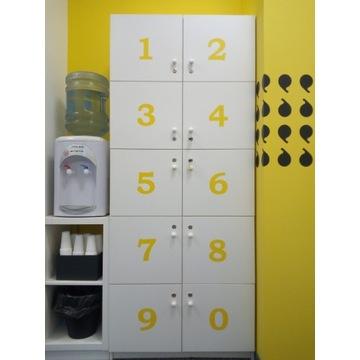 Biała szafka lockers