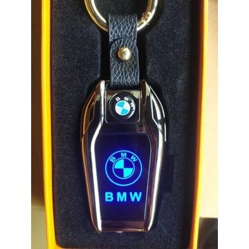 Elegancki BRELOK Zapalniczka Żarowa LED BMW