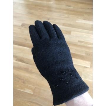 Rękawiczki ozdobione koralikami r. 7