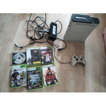 Xbox 360 60 HD plus 2 pady plus GRY