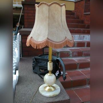 spora lampa- lampa z kamienia