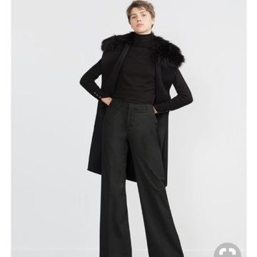 Wełniany płaszcz z futrem ZARA Woman