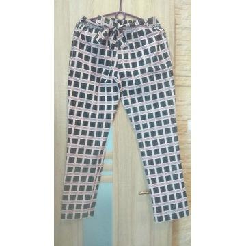 Modne Spodnie krata ITALIA, elastyczne, zwiewne.