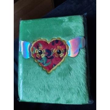 Pluszowy pamiętnik notes 3d serduszko