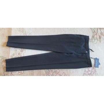 Spodnie Pretty One NOWE z metkami klasyczne czarne