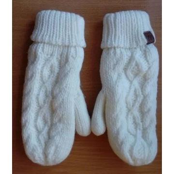 Nowe kremowe ciepłe rękawiczki jednopalcowe Cropp