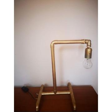 Lampka z kształtek hydraulicznych w stylu loftowym