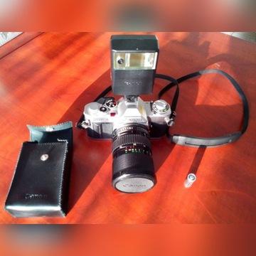 Profesjonalny Canon AV-! + lampa Canon