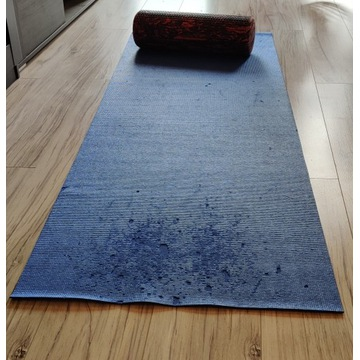 [Sale Price] Yoga mat with Roller