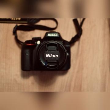 Nikon D3400 + AF-P DX 18-55 VR.