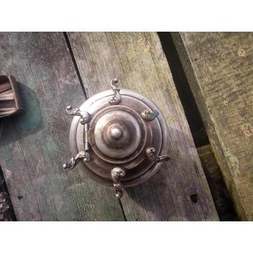 Stara srebrna lampa naftowa