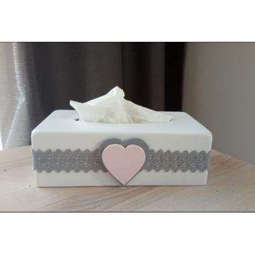 Chustecznik pudełko na chusteczki, prezent,serca