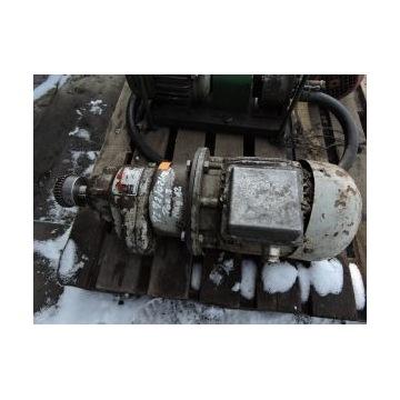 Silnik z przekładnią motoreduktor typ 90 S/8-4 0,4