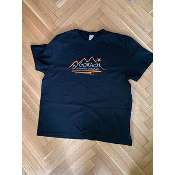 T-shirt W górach