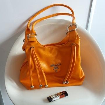Piękna i unikatowa torebka PRADA pomarańczowa
