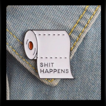 Papier toaletowy BROSZKA przypinka pin