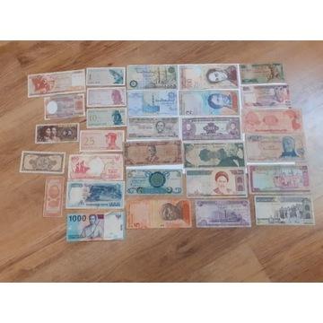 Zestaw 30 banknotów świata