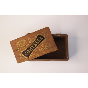 Drewniana szkatułka