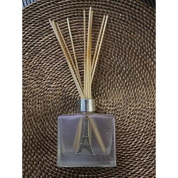 Butelka i patyczki do perfum domowych