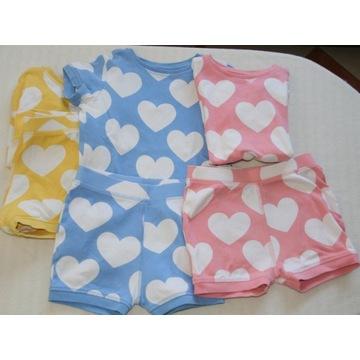 Next-Trzy piżamki w serduszka-110