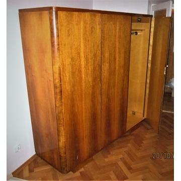 Drewniana szafa trzydrzwiowa PRL, antyk