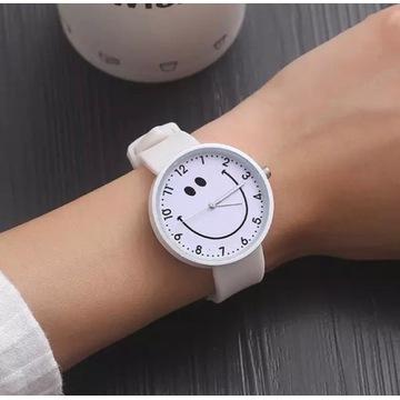 """Zegarek biały """"uśmiech"""""""