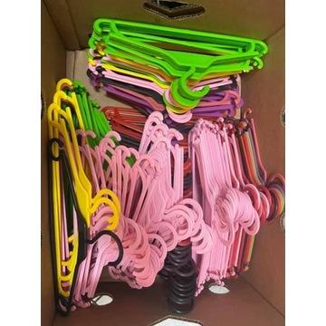 Kolorowe wieszaki na ubrania dla dzieci komplet 50