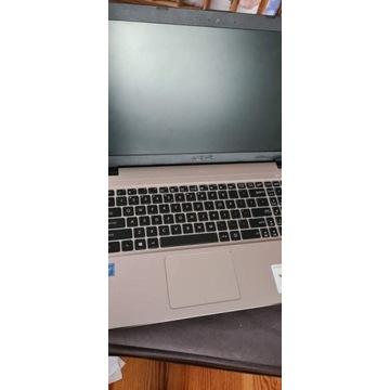 komputer laptop Asus F540 M 4 Ram 500 Dysk