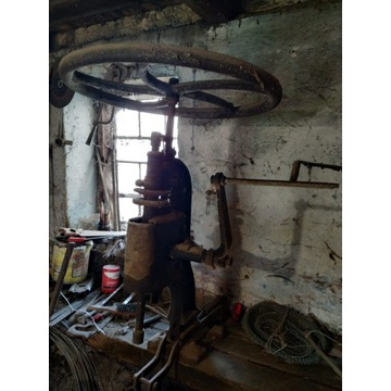 Zabytkowa maszyna do wiercenia 1890r.