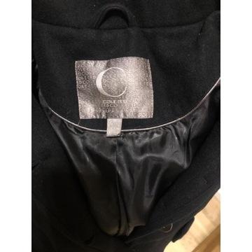Czarny płaszcz wełniany