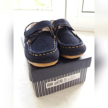 Buty skórzane mokasyny eleganckie chrzest 21