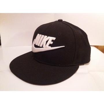 Czapka Snapback Nike czarna z logiem