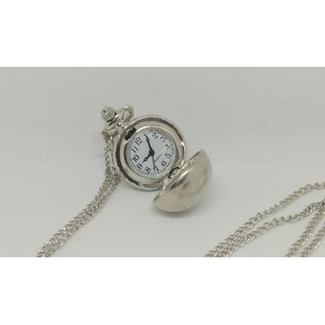 Zegarek w Kształcie kuli w kolorze srebrnym