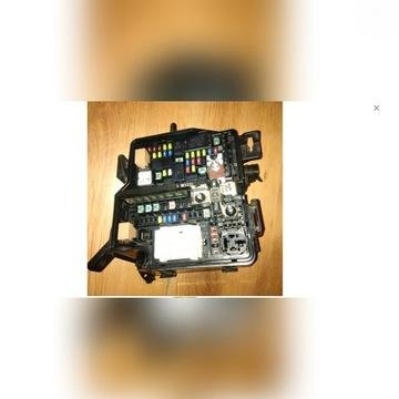 91950-c5300 SKRZYNKA BEZPIECZNIKÓW SORENTO III 16-
