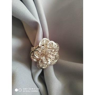 Pierścionek srebrny ...duży kwiat