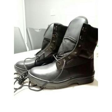 Czarne, wysokie buty typu grom, magnum