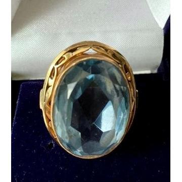 Złoty pierścionek Landrynka z kamieniem