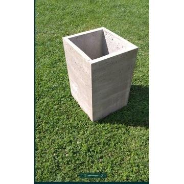 Doniczka z betonu architektonicznego