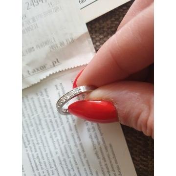 Obrączka pierścionek 11 Brylantów certyfikat