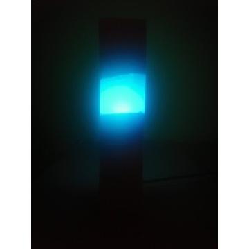 Lampka nocna z żywicy i drewna nowa