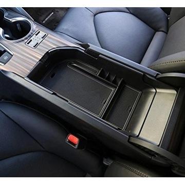 Toyota Camry. Organizer do schowka