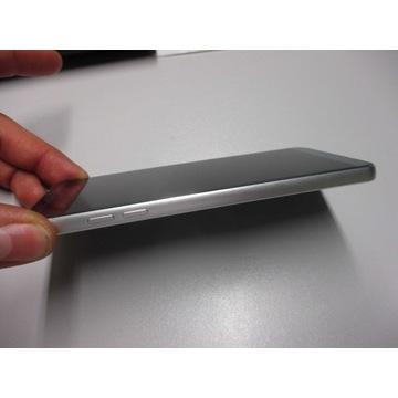 LG G6 4GB / 32GB + etui i folia (problem z SD)