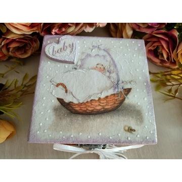 Pudełko drewniane na chrzest prezent kartka