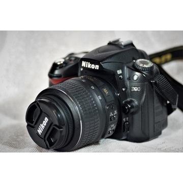 Lustrzanka NIKON D90 + obiektyw Nikkor 18-55 mm