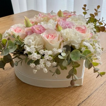 Flowerbox biały w kształcie serca