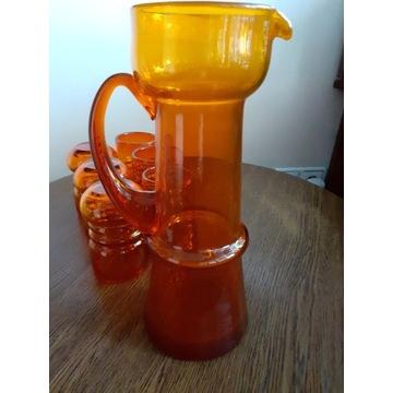 Dzbanek + 6 szklanek proj. Pijaczewska
