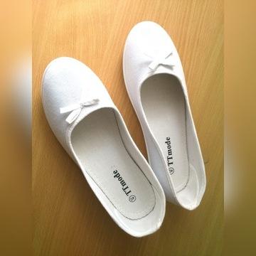 NOWE obuwie medyczne białe baletki baleriny 40